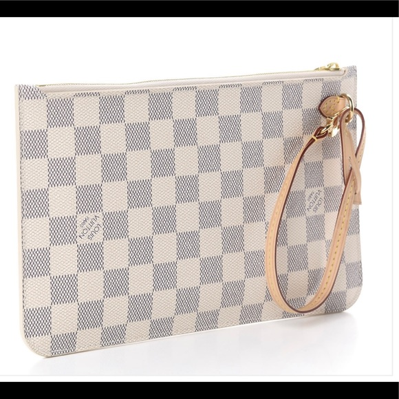 Auth NEW Louis Vuitton Neverfull GM beige wristlet